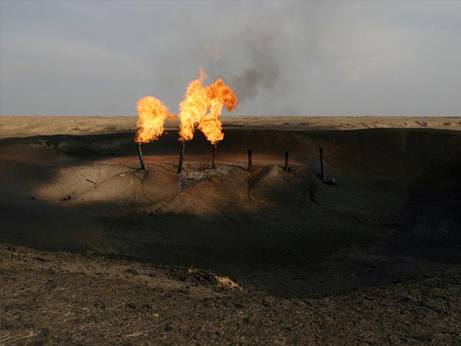 http://blogs.bizmakoto.jp/ecobrand/energy-peak-oil-iraq-field_28452_big.jpg
