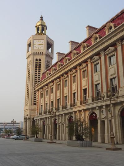 津湾広場の時計台