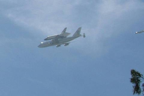 Space Shuttle Endeavor 21 SEP 2012_1.jpg